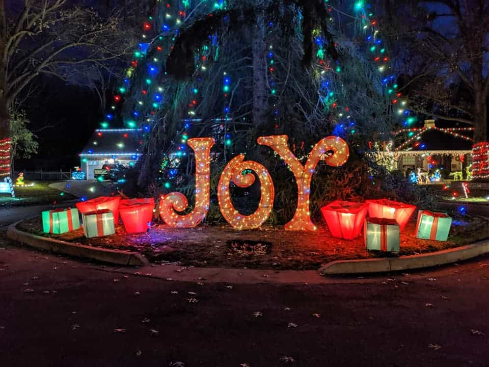 This image has an empty alt attribute; its file name is Candy-Cane-Lane-Holiday-Light-Display.jpg