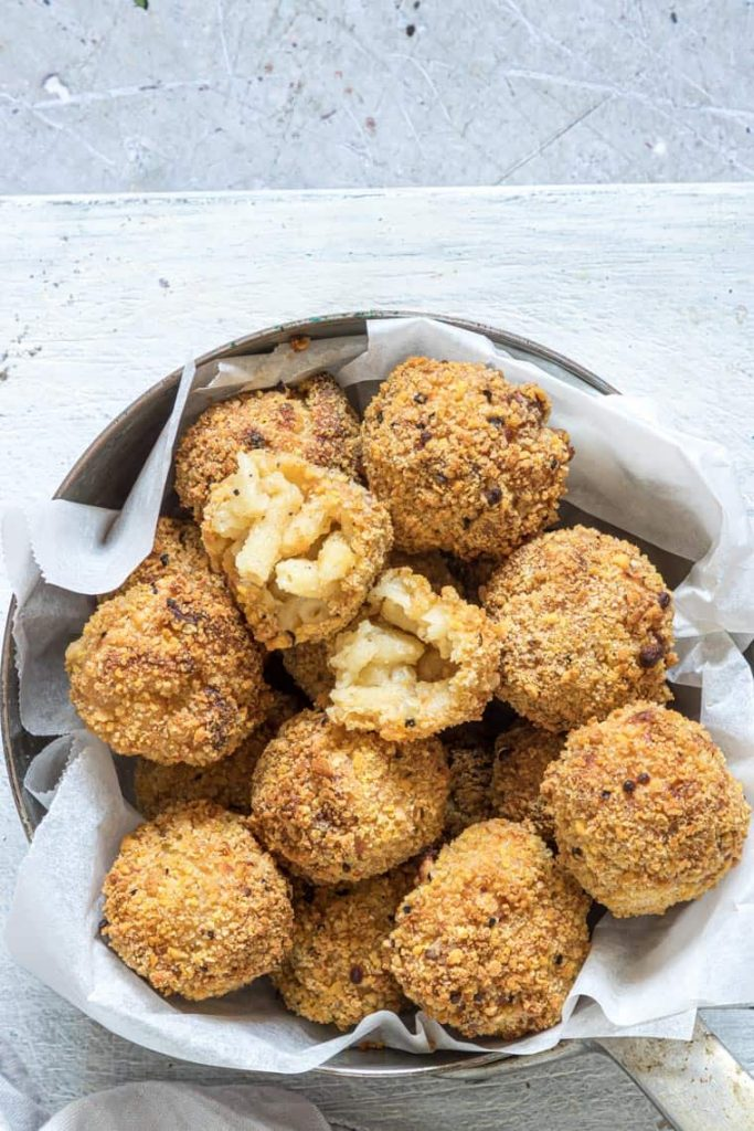 This image has an empty alt attribute; its file name is mac-and-cheese-balls-683x1024.jpg